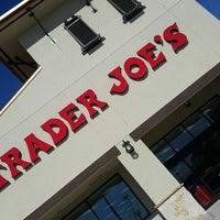 Foto scattata a Trader Joe's da AdoreJR il 1/25/2016