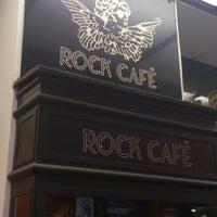 7/26/2013 tarihinde Martin H.ziyaretçi tarafından Rock Café'de çekilen fotoğraf