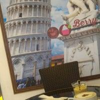 Foto diambil di Berry Yummy Italian Yogurt oleh John N. pada 7/27/2015