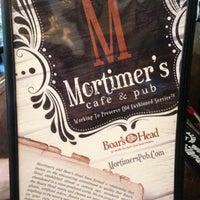 Foto diambil di Mortimer's Cafe & Pub oleh Ashley B. pada 7/18/2013