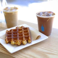 Foto scattata a Blue Bottle Coffee da Ryan il 7/14/2015