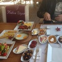 Foto diambil di Kahve Diyarı oleh Gökhan K. pada 10/20/2013
