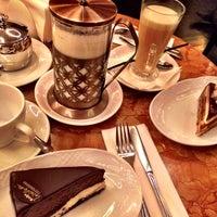 รูปภาพถ่ายที่ Кафе «Чайковский» โดย Ksy เมื่อ 10/28/2018