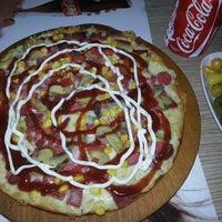 รูปภาพถ่ายที่ Pizza Uno โดย Mesut C. เมื่อ 9/5/2013