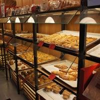 Foto diambil di Breads Bakery oleh LordoftheForks pada 6/21/2013