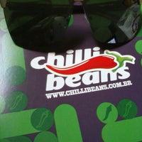 ... Foto tirada no(a) Chilli Beans por Gimikath C. em 12 7 ... 437e251f48