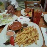 8/22/2014にAhmad A.がJust Burgerで撮った写真