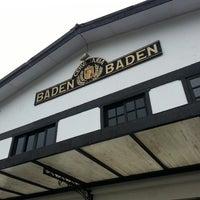 Foto tirada no(a) Cervejaria Baden Baden por Barbara C. em 5/17/2013