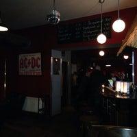 Foto diambil di Soul Hell Café oleh Pet K. pada 1/25/2014