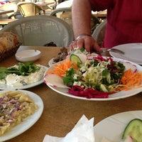 Foto tirada no(a) Muzom Restoran por Caner S. em 6/26/2013