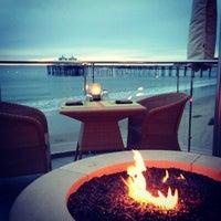 รูปภาพถ่ายที่ Malibu Beach Inn โดย Robin H. เมื่อ 12/16/2012