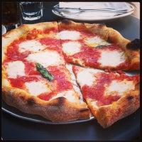 Foto scattata a Pizzeria Delfina da Sam S. il 4/28/2013