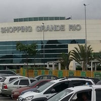 Foto tirada no(a) Shopping Grande Rio por Ricardo L. em 7/16/2013