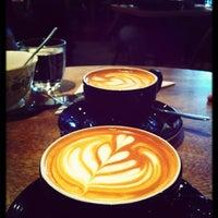 1/26/2013 tarihinde Emily W.ziyaretçi tarafından Lantana Cafe'de çekilen fotoğraf
