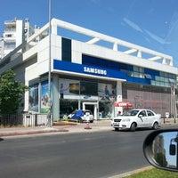 รูปภาพถ่ายที่ Çağdaş Holding Samsung Digital Plaza โดย Mehmet Fatih Ç. เมื่อ 7/5/2013
