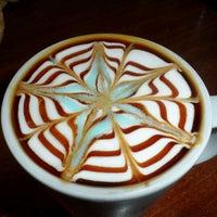 Foto diambil di Mocaco Coffee oleh Ufuk Ç. pada 5/20/2013