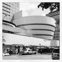 Foto tomada en Solomon R Guggenheim Museum por Mareka L. el 7/5/2013