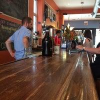 Foto tirada no(a) Dark Matter Coffee (Star Lounge Coffee Bar) por Omar A. em 8/29/2014