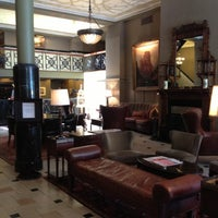 Das Foto wurde bei The Oxford Hotel von Christine M. am 5/25/2013 aufgenommen