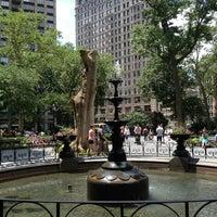 รูปภาพถ่ายที่ Madison Square Park โดย Dylan P. เมื่อ 7/4/2013