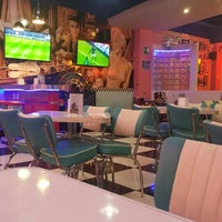 Foto tomada en Retro Classic Diner por Joshefo J. el 2/28/2016