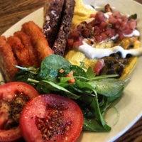 12/8/2012 tarihinde Allison T.ziyaretçi tarafından One Shot Cafe'de çekilen fotoğraf