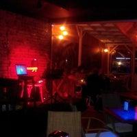 12/7/2013 tarihinde Fırat İzgiziyaretçi tarafından Blackboard Cafe & Bar'de çekilen fotoğraf