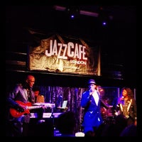 Photo prise au Jazz Cafe par Mark S. le10/31/2012