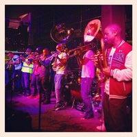 Photo prise au Jazz Cafe par Mark S. le6/4/2013