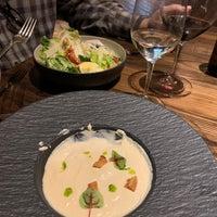 รูปภาพถ่ายที่ Powder Restaurant โดย Caroline B. เมื่อ 3/11/2021