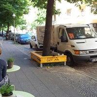 6/6/2013 tarihinde Micha E.ziyaretçi tarafından Café Jule'de çekilen fotoğraf
