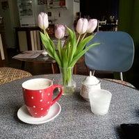3/11/2014 tarihinde Micha E.ziyaretçi tarafından Café Jule'de çekilen fotoğraf