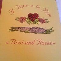 Das Foto wurde bei Il Pane e le Rose von Essi S. am 2/10/2013 aufgenommen