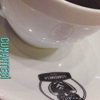 Photo prise au Sobremesa Coffee par Yeliz Y. le9/30/2017