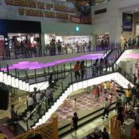 รูปภาพถ่ายที่ Berjaya Times Square โดย Chin C. เมื่อ 7/28/2013