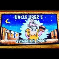 Foto tirada no(a) Uncle Uber's por Uncle Uber's em 8/6/2014
