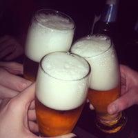 Снимок сделан в Gallaghers Irish Pub пользователем Leti M. 8/10/2013