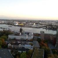 Das Foto wurde bei Clouds von Birgit H. am 10/24/2013 aufgenommen