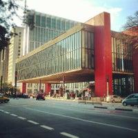 Foto scattata a Museu de Arte de São Paulo (MASP) da Felipe X. il 6/1/2013