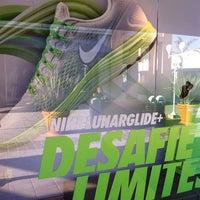 ... Foto tirada no(a) Nike Factory Store por Paula M. em 10  ... 0e02625c1f17b