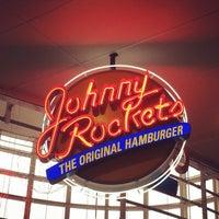 Foto tirada no(a) Johnny Rockets por Nicolli S. em 3/28/2014