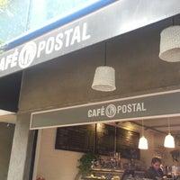 Foto tomada en Café B por Chilangas H. el 6/26/2013