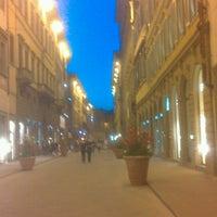 Foto scattata a Via Tornabuoni da Luciano M. il 6/6/2013