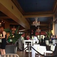 5/22/2013에 James J.님이 Café & Bar Lurcat에서 찍은 사진