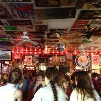 Foto tomada en The Red Bar por Apryl T. el 1/20/2013