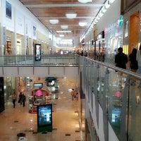 Foto tirada no(a) Mall Multiplaza Pacific por Fernando F. em 7/12/2013