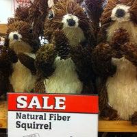 รูปภาพถ่ายที่ World Market โดย Donna D. เมื่อ 11/3/2012