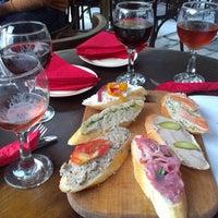 Снимок сделан в Пструг, хліб та вино пользователем Anastasia K. 7/14/2013