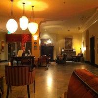 Photo prise au Hotel Carlton par ceci y. le10/24/2012