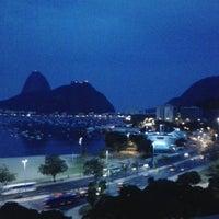 Foto tirada no(a) Botafogo Praia Shopping por Danilo Alves F. em 7/19/2013